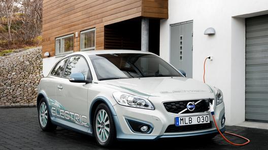 Электрический Volvo C30 появится в Европе летом