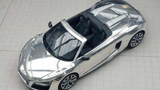 Два хромированных Audi R8 Spyder ушли на благотворительность