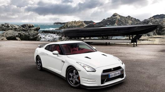 Nissan привезет в Россию эксклюзивную версию суперкара GT-R