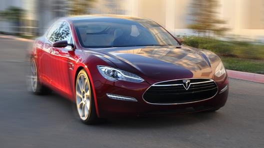 Электромобиль Tesla запитал ферму для майнинга криптовалют