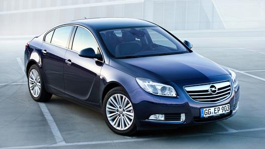Opel модернизирует Insignia и испытывает открытую Astra