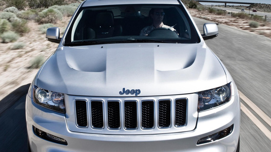 Chrysler готовит Европу к прибытию самого мощного Jeep Grand Cherokee