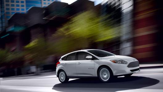 Ford начал принимать заказы на электрический Focus