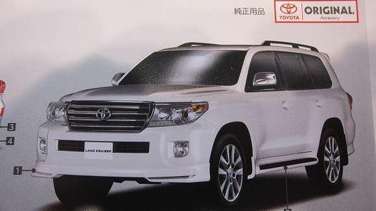 Первые фото нового Toyota Land Cruiser попали в сеть