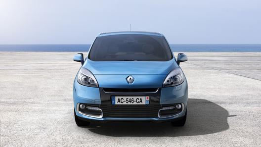 Европа готовится к рестайлинговым Renault Scenic