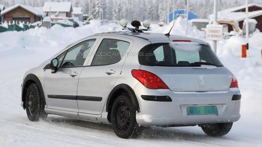 Peugeot 301 попался на глаза фотошпионам