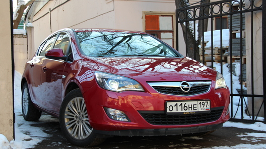 Opel Astra: часть 2 (2004 км)