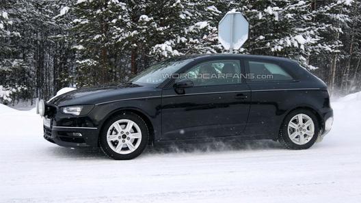 Тестовый Audi A3 отловили почти без камуфляжа