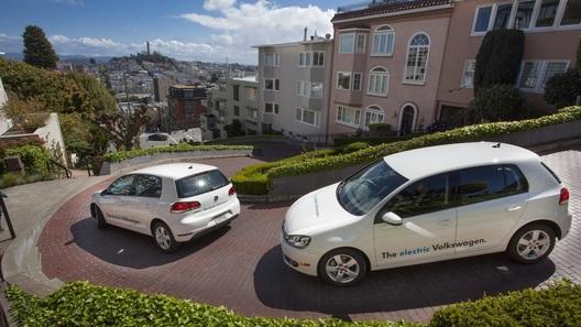 Volkswagen выведет на дороги США сразу 20 электро-