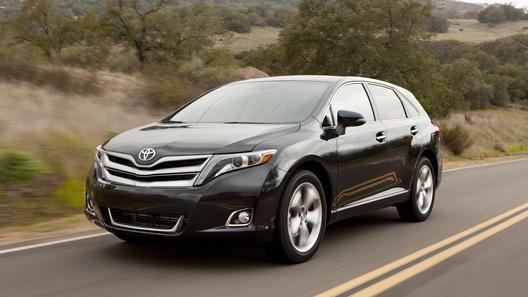 Кроссовер Toyota Venza пережил рестайлинг