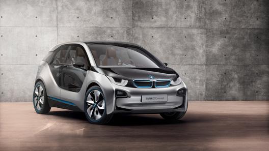При продвижении своего электрокара BMW берет пример с