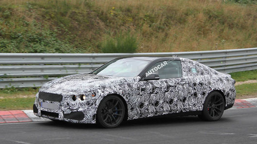 Новый BMW M4 проходит дорожные испытания