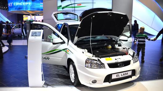 Первые серийные электромобили марки Lada отправлены дилерам