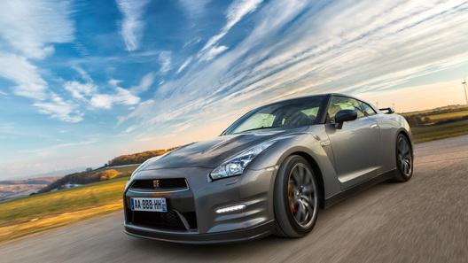 Nissan начал прием российских заказов на обновленный GT-R