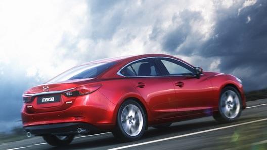 Оцениваем, насколько шустрее стала Mazda6 с новым мотором