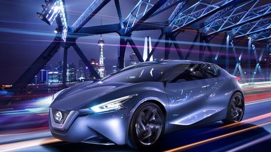 Пассажиры нового Nissan могут общаться через бортовую соцсеть