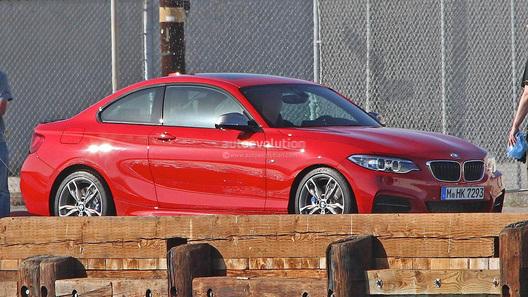 Появились первые фото новейшей 2 серии от BMW