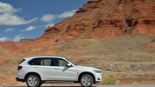 Новый BMW X5 будет стоить в России от 3 млн рублей