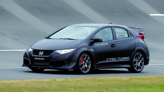 С новой Honda Civic Type R сорваны покровы