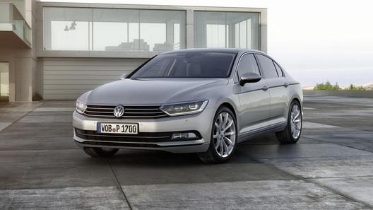 Новый VW Passat стал чуть меньше и превратился в гибрид