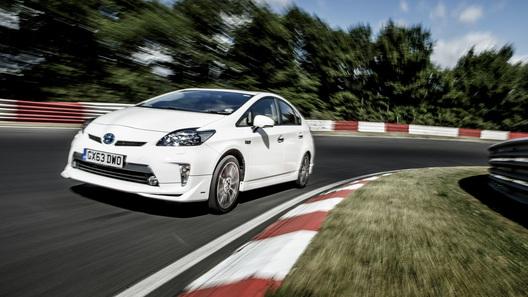 Toyota Prius установила оригинальный рекорд Нюрбургринга