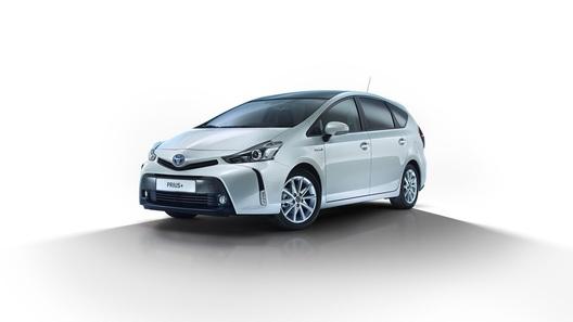 Toyota обновила большой Prius для Европы