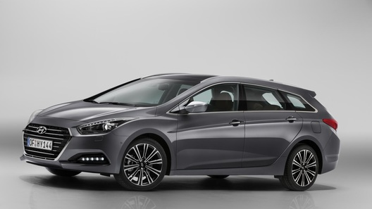 Hyundai представила обновленное семейство i40