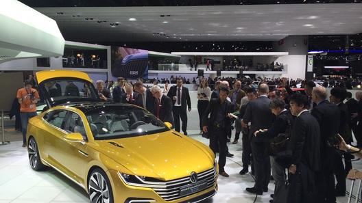 Volkswagen подправит фирменный стиль концептом Sport Coupe Concept GTE