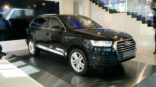 Audi раскрыла детали комплектаций нового Q7