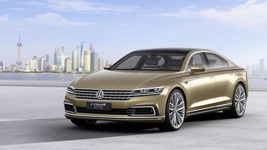 Новый седан Volkswagen растолкает старые