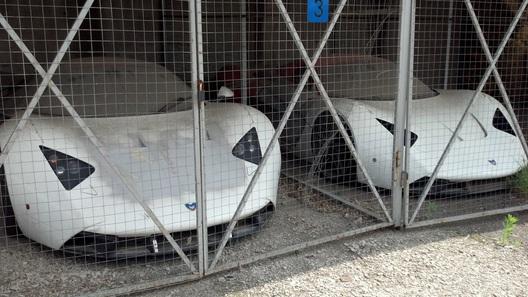 Блогеры обнаружили бесхозные суперкары Marussia