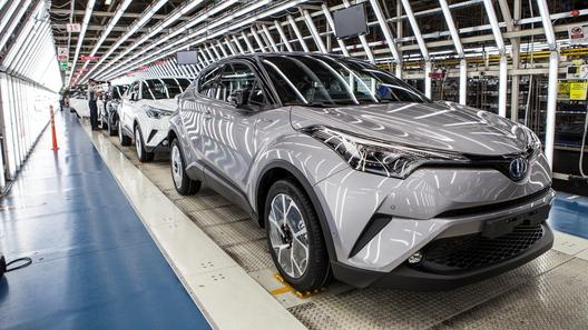 Toyota запустила в серию