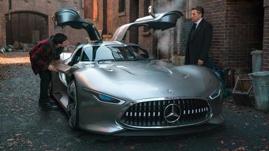 Автомобили Mercedes-Benz научатся объезжать криминальные районы