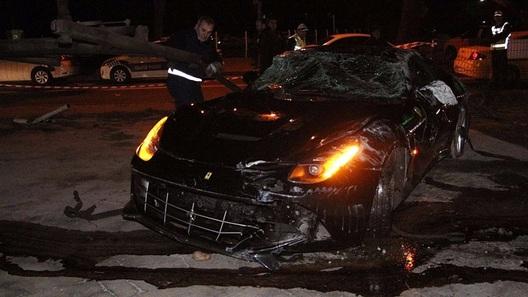 Мажорка изМолдавии показала Lamborghini, инкрустированный стразами Svarovski