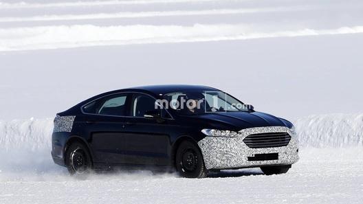 Обновленный Ford Mondeo впервые поймали на тестах