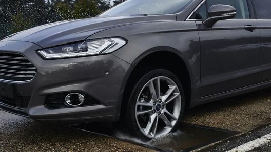 Новые Ford Focus научатся перепрыгивать через ямы