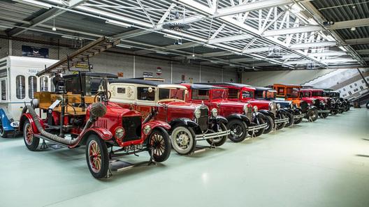 Рекордная коллекция раритетных Ford ушла с молотка