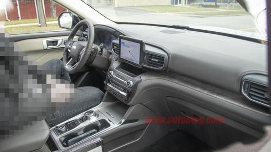Салон нового Ford Explorer: первые фото