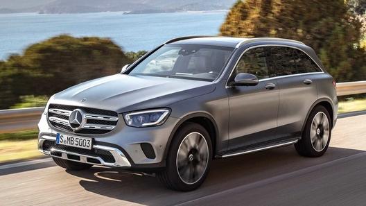 Mercedes-Benz анонсировал обновленный кроссовер GLC