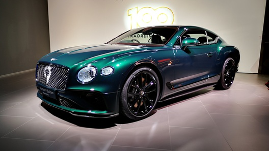 Bentley выпустила эксклюзивный Continental GT в духе спорткара 30-х годов