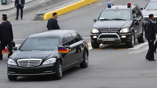 Санкции не мешают Ким Чен Ыну ездить на