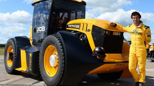 Англичане набрали рекордную скорость на тракторе. Почему это хорошо? (видео)