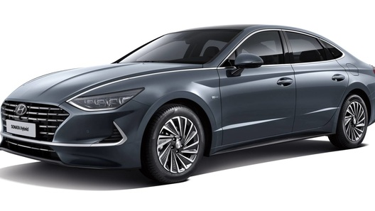 Гибридная Hyundai Sonata получила солнечные батареи