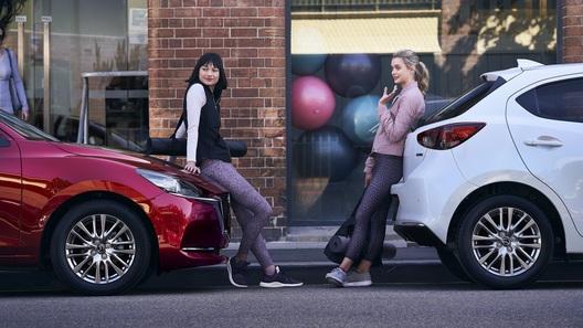 Объявлены спецификации обновленной Mazda2 для Европы. Почему не для России?