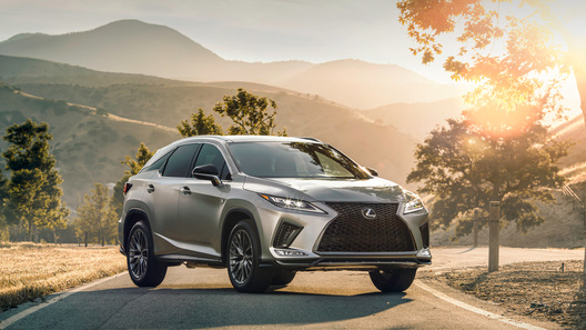 Lexus обновил семейство RX