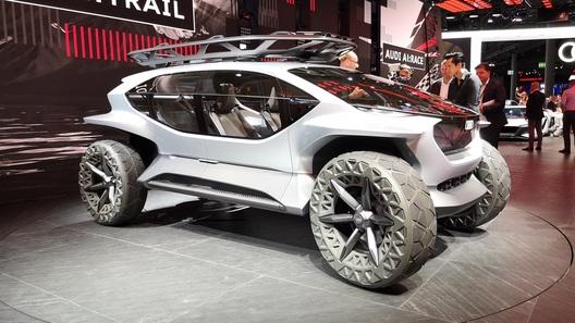 Audi сделала AI:Trail quattro - багги-беспилотник с дронами-разведчиками