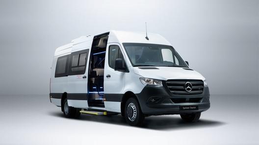 В России начали продавать новые пассажирские Mercedes-Benz Sprinter