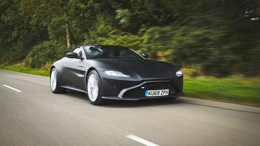 Опубликованы первые фото открытого Aston Martin Vantage