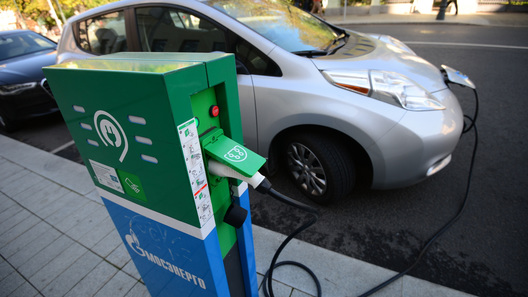 Минус налог, плюс парковка: Москва станет лучшим городом Земли для электрокаров
