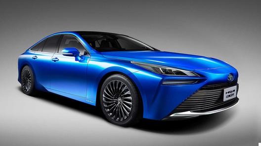 Toyota Mirai доехала на водороде до смены поколений